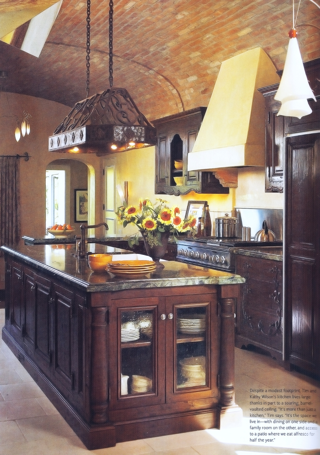 Tuscany Style Mag - Tim Wilson Walnut Kitchen 004 - small
